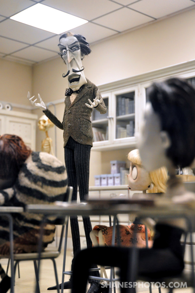 """The Art of Frankenweenie Exhibition"" at Disney Resort"