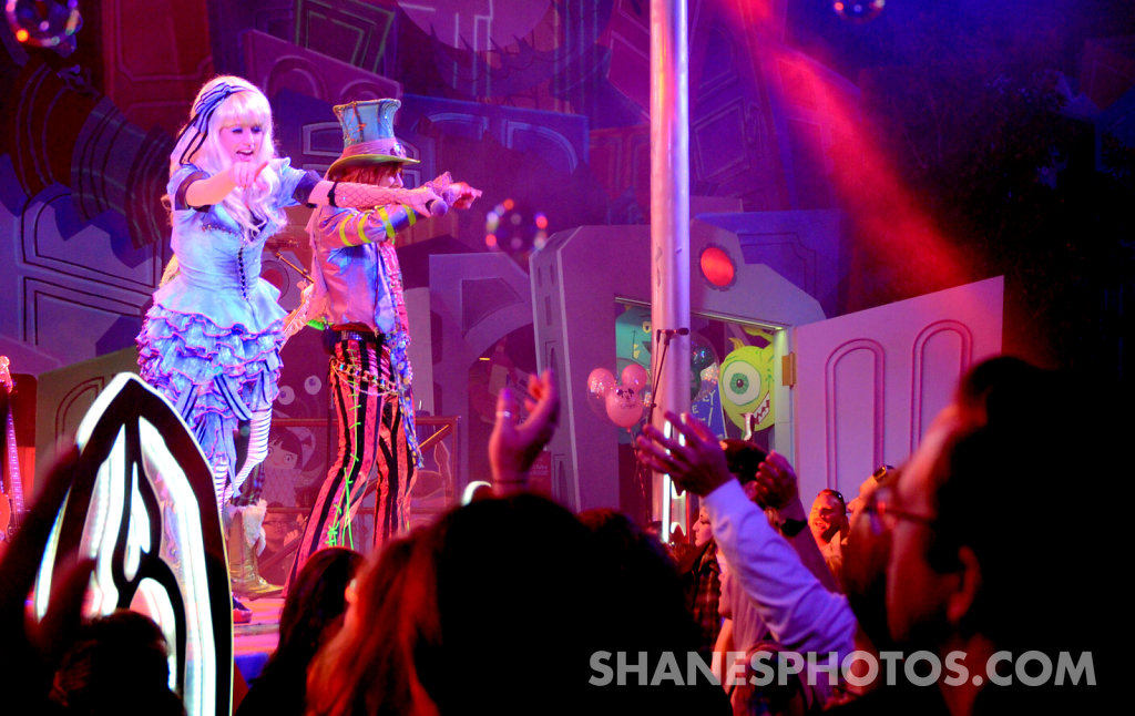 Alice and The Mad Hatter  preforms at Mad T Party at Disney California Adventure