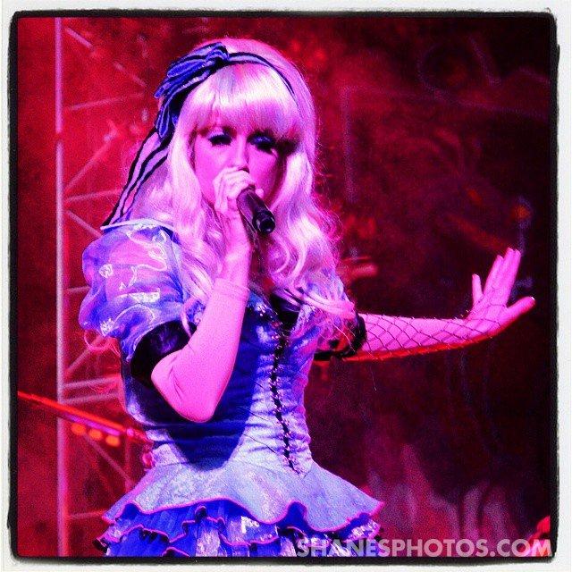Alice singing up a storm @disneyland #Disneyland #Disneyland60Contest #gethappiercontest